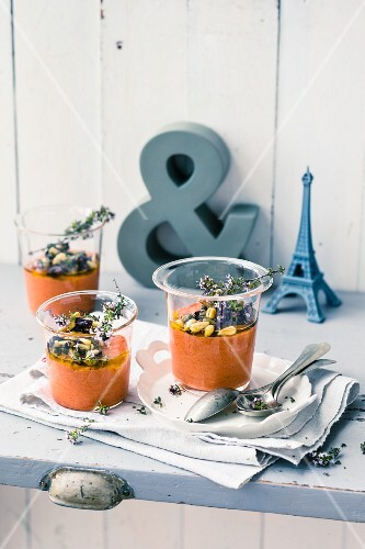 Pepper verrine with pine nuts and rosemary flowers