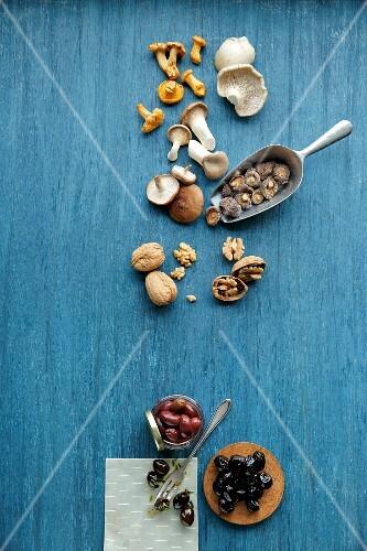 Umami-flavoured ingredients: mushrooms, walnuts and olives