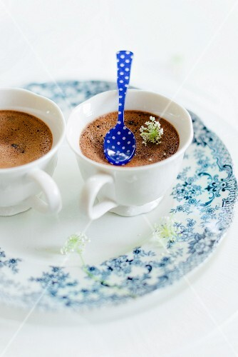 Chocolate cream in two cups