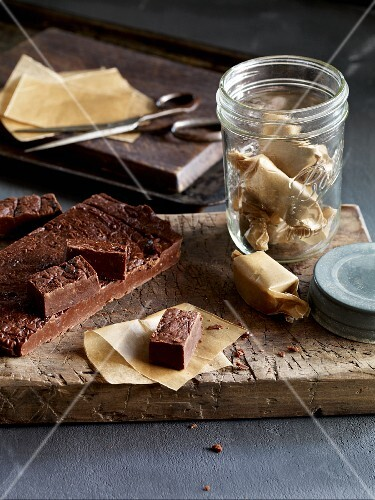 Chocolate toffees with ginger