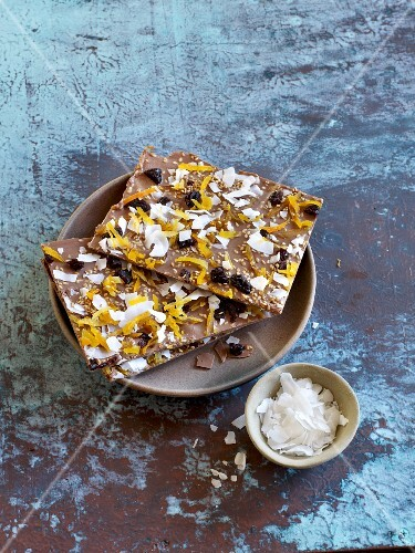Chocolate sheets with dried fruit and grated chocolate