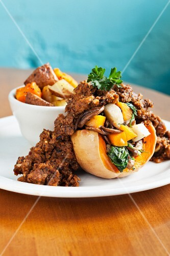 Butternut squash with tempeh, kale and fried potatoes