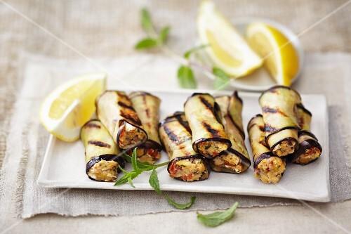 Aubergine rolls with chickpeas