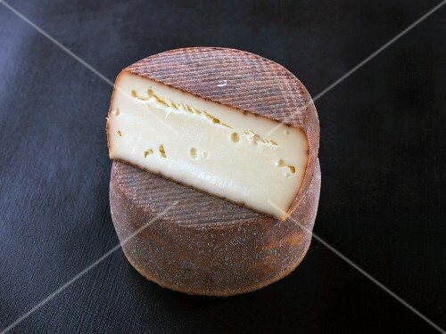 Antoinette (French cow's milk cheese)