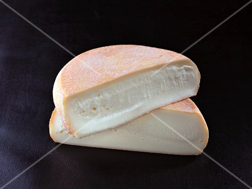 Abbaye de citeaux (French cow's milk cheese)