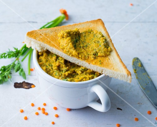 Lentil cream with carrots