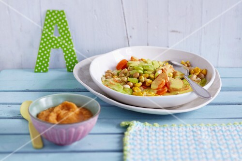 Chickpea puree and vegetable curry with chickpeas