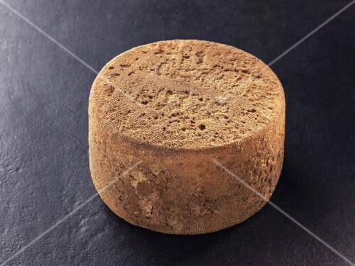 Coeur basque – Basque sheep's milk cheese
