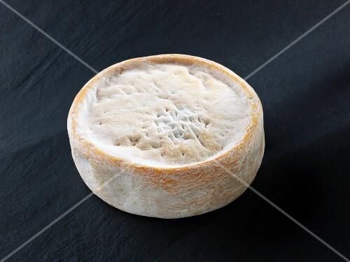 Chevrotin des Aravis (French goat's cheese)
