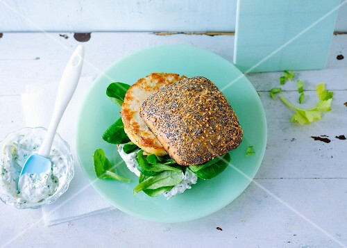 A fitness burger with turkey breast, herb quark and lamb's lettuce