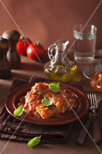 Chicken cacciatore with tomatoes and onions