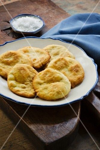 Yaniqueques (deep-fried crispy tortillas, Dominican Republic)