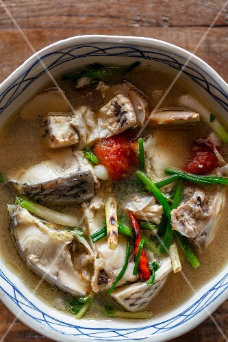 Gaeng som pla (sour fish soup, Laos)