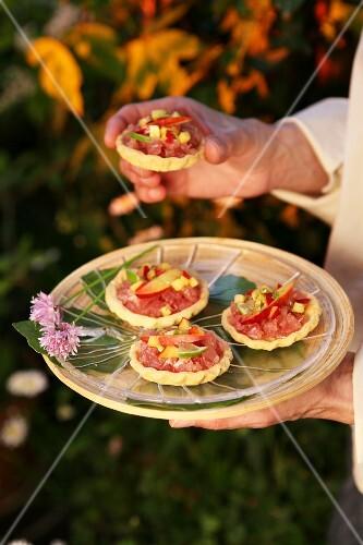 Ham tartlets with fresh fruit