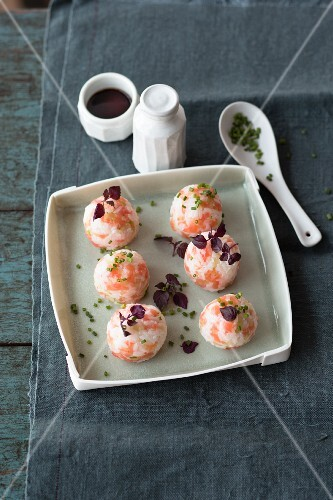 Temari sushi with smoked salmon, chives and shiso leaves