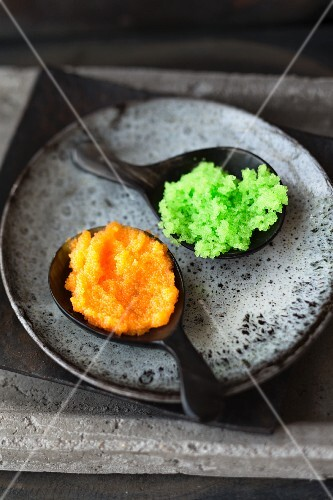 Tobiko caviar (dyed flying fish roe, Japan)
