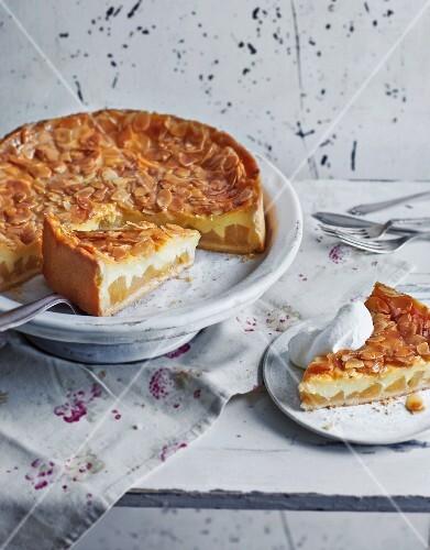 Florentine apple cake
