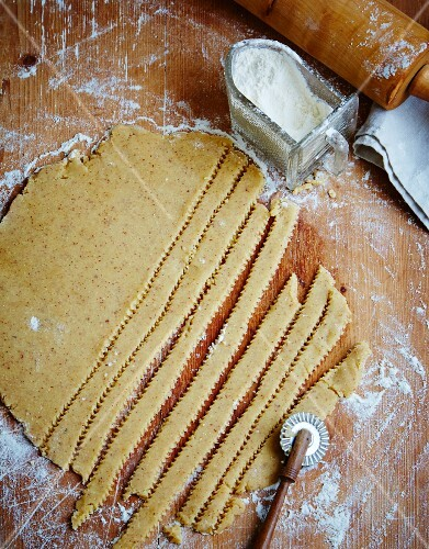 Strips of pastry for a lattice top tart