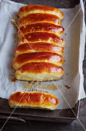 Sweet yeast dough buns