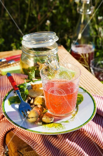 Marinated mushrooms and strawberry spritzer for a picnic
