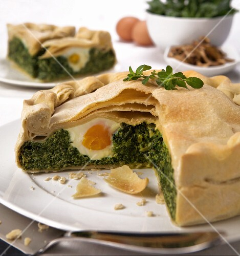 Torta pasqualina (spicy Easter cake with egg, Italy)