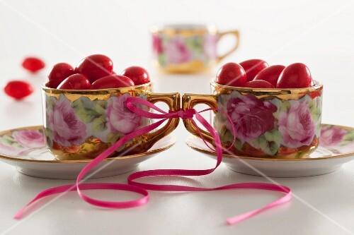 Confetti rossi (pink sugared almonds, Italy)
