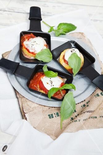 Polenta raclette with tomatoes and mozzarella