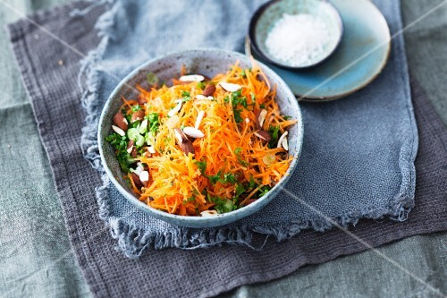 Carrot salad with almonds to go with raclette