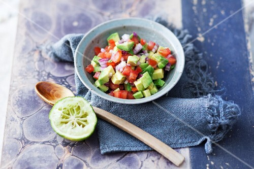 Avocado tomato salsa to be served with raclette