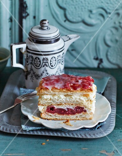 Holländerschnitten (puff pastry layer cakes with cream and cherries)