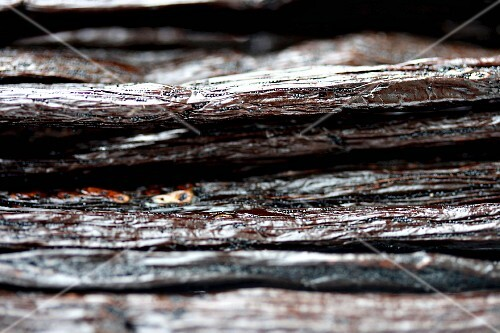 A stack of vanilla pods (close-up)