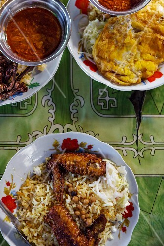Breakfast with chicken, rice and beans (Yangon, Myanmar)