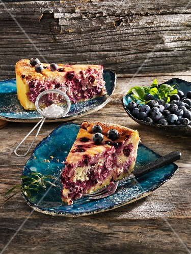 Cheesecake with rum and blueberries