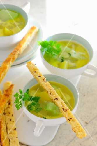 Kohlrabi and chervil soup