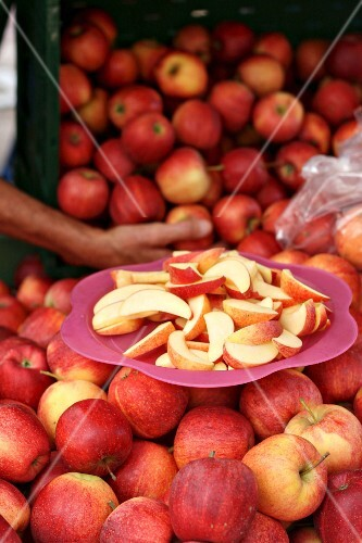 Gala Royal apples and slices for tasting