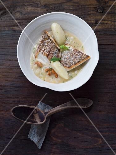 Whitefish with kohlrabi and potato dumplings