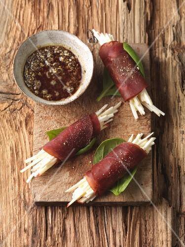 Venison ham rolls with gravy