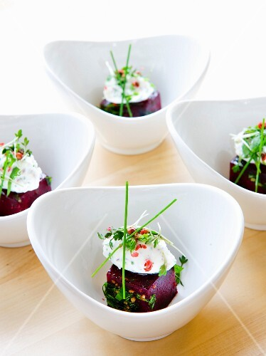 Beetroot with cream cheese and herbs