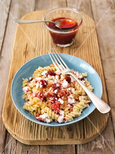 Fusilli with quark and strawberry jam