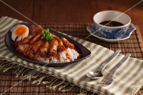 Khao Mu Dang Mu Grob - crispy pork with sauce on a bed of rice (Thailand)