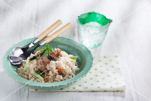 Fried rice with Chinese cabbage and salted fish (Thailand)