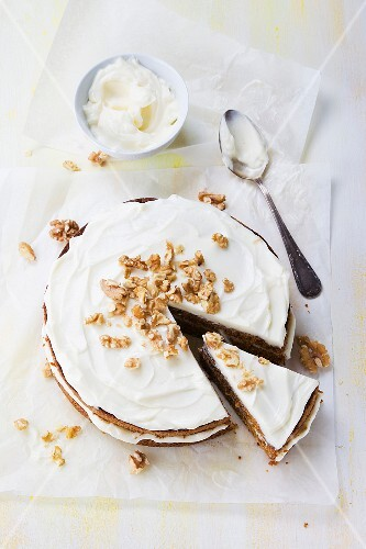 Carrot cake with chopped walnuts