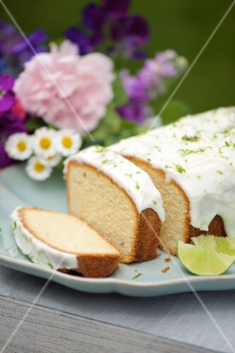 Caipirinha cake with a yoghurt glaze and lime zest