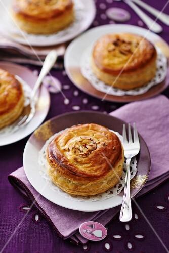 Four nut cakes (France)