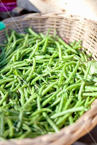 Green beans at a market stand