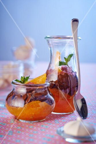 Jars of oranges and chocolate cream