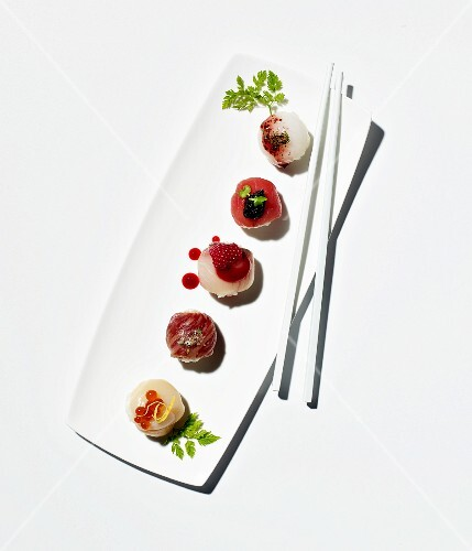 Temari sushi (sushi balls, Japan)