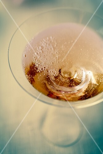 A glass of champagne (close-up)