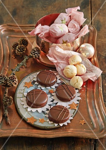 Amarettini and Ischler cakes (Austrian layered shortbreads)
