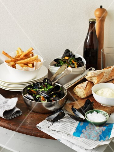Mussels, chips and baguette